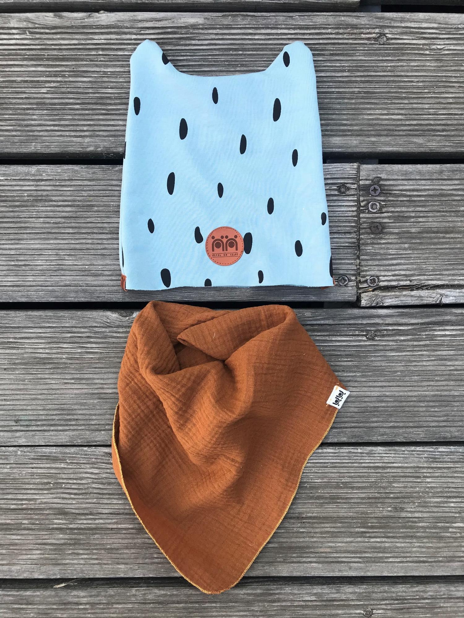 Czapka bawełniana 'Miś' (Niebieska Cętki) - Myśl od czapy