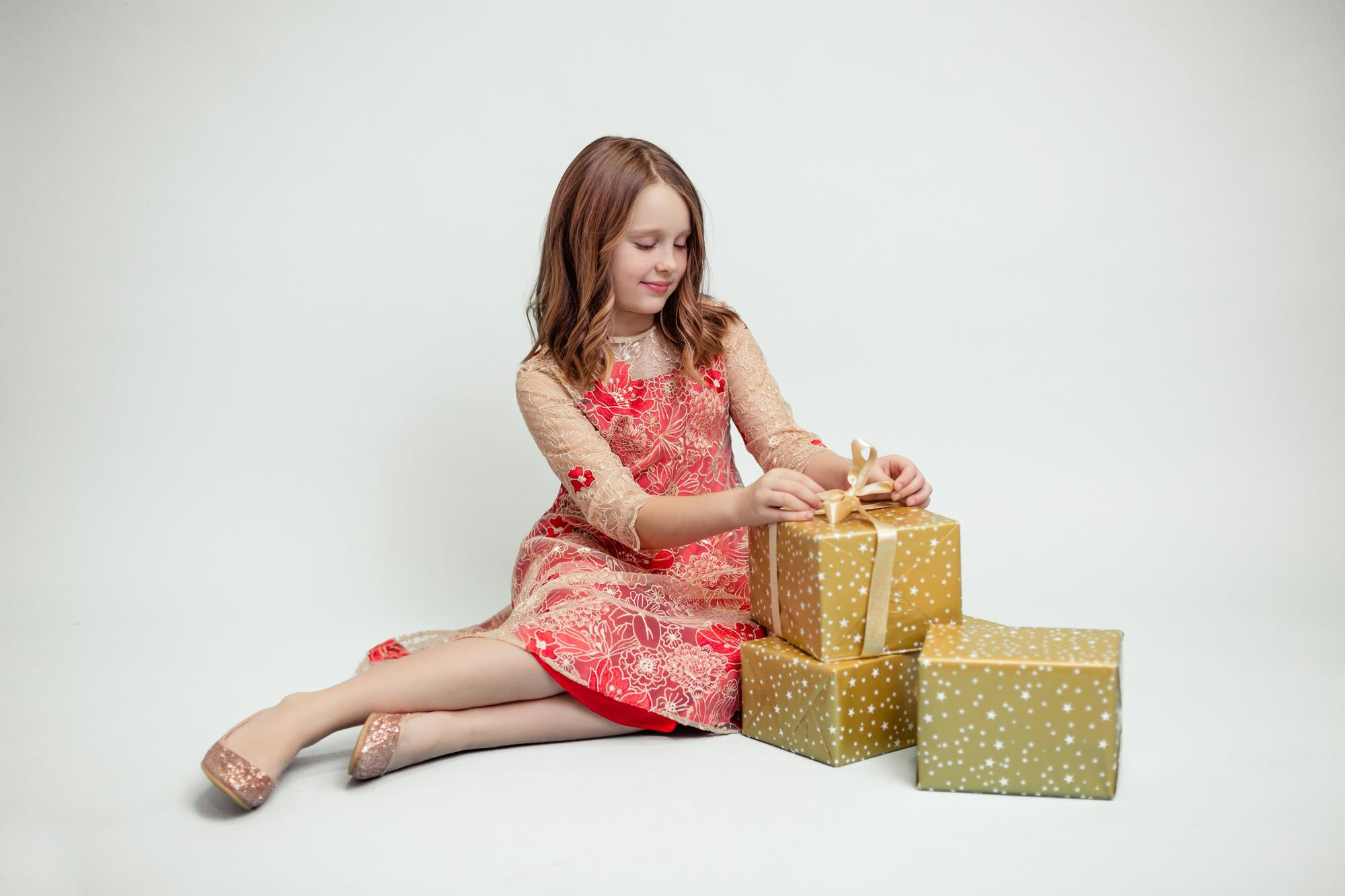 Sukienka koronkowa z kwiatami czerwona - Domino.little.dress