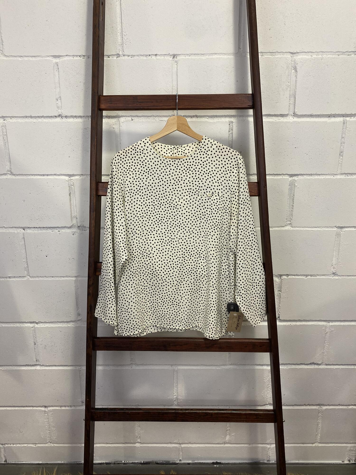 Zwiewna biała koszula w czarne kropki ST MICHAEL - Vintage Store | JestemSlow.pl