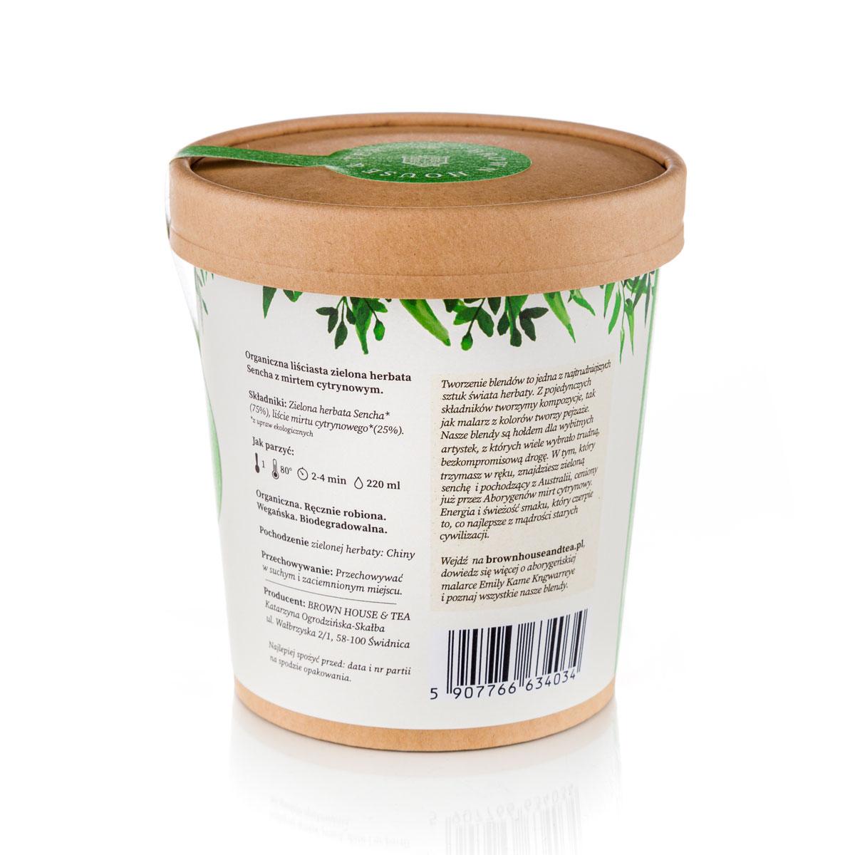 Ten blend zielonej herbaty sencha i mirtu cytrynowego to hołd złożony rdzennej ludności Australii. To właśnie Aborygenom świat zawdzięcza mirt cytrynowy. Często używali go nie tylko jako przyprawy, ale też jako lekarstwa na różne dolegliwości. Połączenie jego właściwości zdrowotnych z mocą zielonej herbaty to solidna, pozytywna motywacja do działania. Orzeźwiający mirt cytrynowy podkreśla i dopełnia łagodny smak i aromat zielonej herbaty. Dzięki temu połączeniu blend pachnie i smakuje przyjemnie cytrusowo, trochę jak mieszanka cytryny, pomarańczy i grejpfruta z miętą. O zdrowotnych właściwościach zielonej herbaty można pisać prace naukowe. Jest przebogata w antyoksydanty, takie jak katechiny, zdrowe cukry, czyli saponiny, beta-karoten, czyli słynną prowitaminę B5, a także kwas foliowy. Zawiera też sporą dawkę witaminy C, która nie tylko sprawia, że nasza skóra młodnieje i promienieje, ale również pomaga nam w walce z np. przeziębieniami. Dzięki tym oraz wiele innym składnikom zielona h