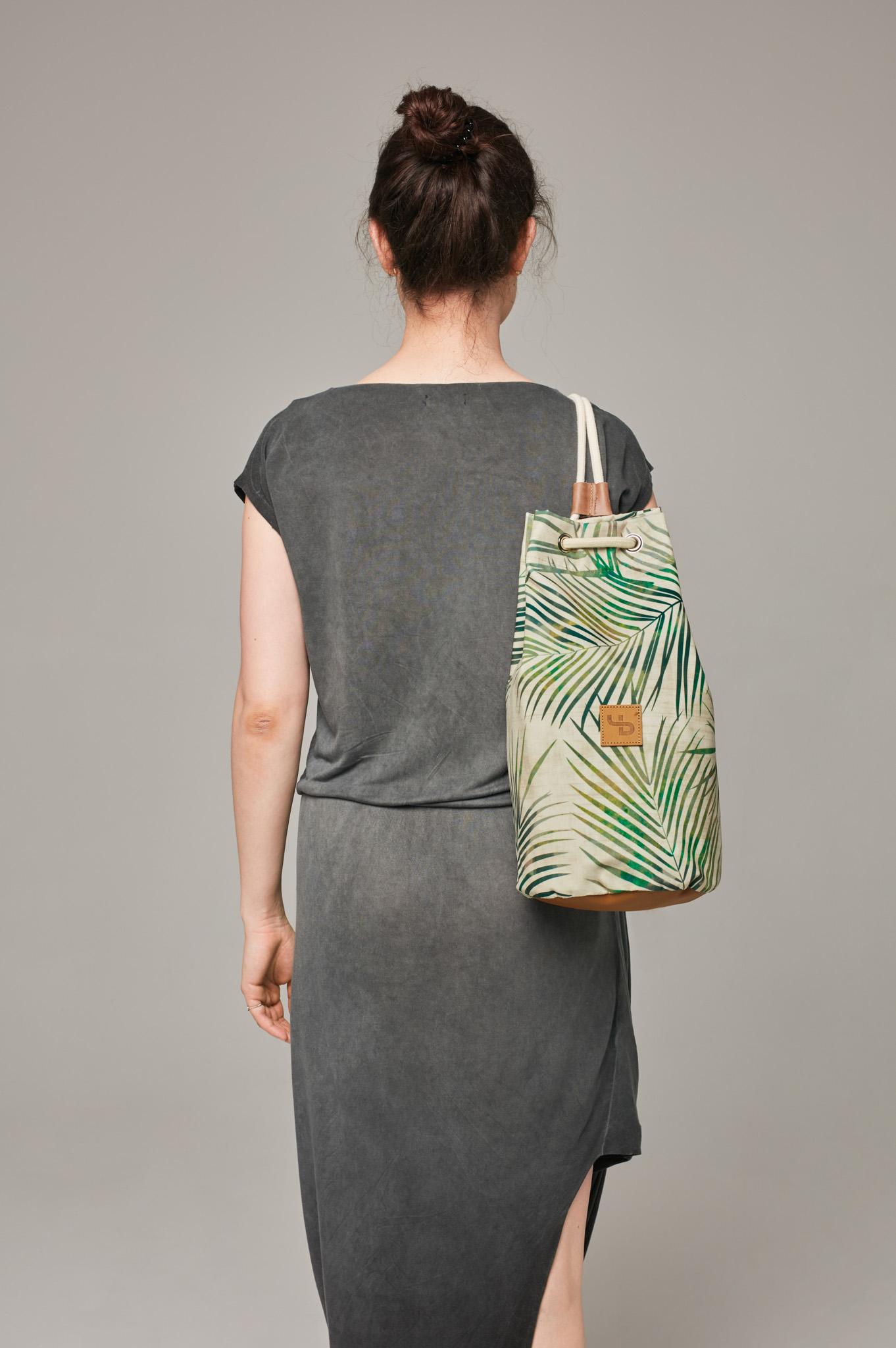 Tropikalny plecak w liście / leaves tuba print roślinny nieprzemakalny na wyjazd minimalistyczny - Lootbag